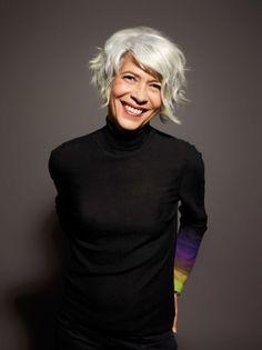 Dita, coupe courte, cheveux gris argenté, AH 2012 #Hair #ShampooExpert