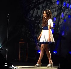 Lana performing at 'Sleep Country Amphitheater', Ridgefield, Washington (May 22, 2015) #TheEndlessSummerTour