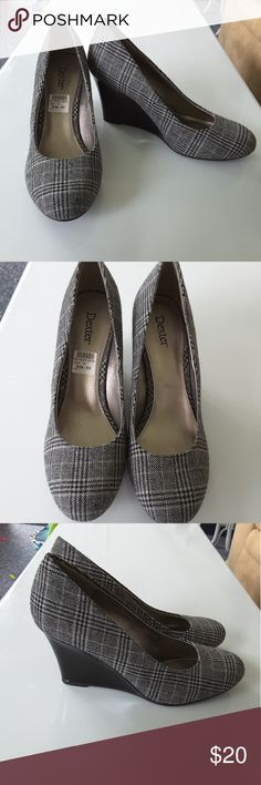 Nwt size 9 black and gray plaid wedges New. Plaid fabric. Pantenant heel dexter Shoes Wedges