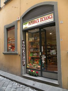Paperback Exchange Bookstore, via delle Oche, 4R, Florence. Perfect place to find books in English.