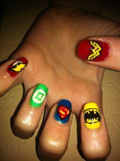 Superhero nail art (4)