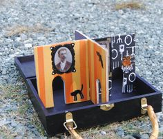 collapsible travel haunted house playset
