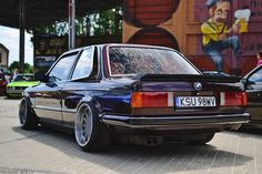 BMW e30 with mega big wheels... Maybe to big.