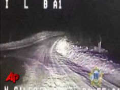 Buddy the German Shepherd let police & fire rescue through winding roads in Alaska to save his owner's home. Absolutely amazing.