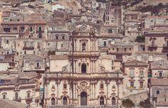 Modica Cathedral, in Sicily La cathédrale de Modica en Sicile