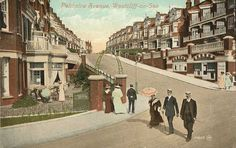 Essex, Westcliff-on-Sea, Palmeira Avenue - fashionably dressed people. Local Studies, Leigh On Sea, Living In England, Colouring Pics, London Places, Local History, Old Postcards, Color Photography, Us Travel
