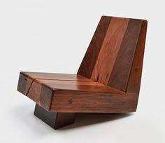 Especie armchair by Zanini de Zanine Timber Furniture, Diy Outdoor Furniture, Woodworking Furniture, Sofa Furniture, Unique Furniture, Furniture Design, Diy Chair, Diy Wood Projects, Wood Design