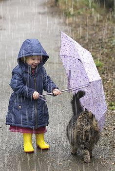 Walking in the rain with your kitty. Hoping my kitty and my granddaughter will be friends some day! So Cute Baby, Cute Kids, Animals And Pets, Baby Animals, Funny Animals, Cute Animals, Animal Memes, Funniest Animals, Animal Babies