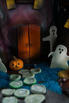 #decorated #halloween #spooky #cute #treats #cookies #brownies #cakes #oreos #pumpkins #mummies #monsters and much more from #oushe #gourmet #bakeshop #dubai #uae www.oushe.com 043850011