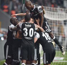 Spor Toto Süper Lig'de 10. haftanın en önemli maçında Beşiktaş sahasında Trabzonspor'u 2-1 mağlup etti. İşte maçtan kareler...
