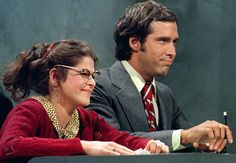Gilda Radner and Chevy Chase, Saturday Night Live RIP sweet funny Gilda. Garrett Morris, Best Of Snl, Snl Saturday Night Live, Gilda Radner, Catherine O'hara, Weekend Update, My Childhood Memories