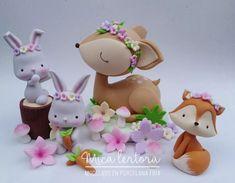 Felt Animal Patterns, Stuffed Animal Patterns, Cute Polymer Clay, Polymer Clay Miniatures, Baby Birthday Cakes, 1st Birthday Girls, Fondant Animals, Fondant Figures, Woodland Party