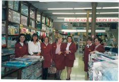 Equip de vendes de la botiga de Plaça Universitat als anys 90