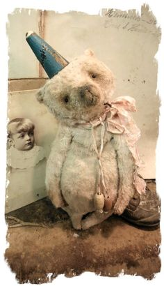 "Image of ""DELIGHT"" the Old & Worn Faded Pink Party Bear * 9"" Antique Style Teddy Bear * By Whendi's Bears"