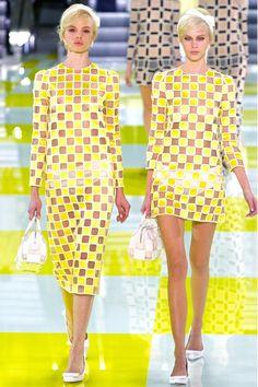 Jaune et transparent! Louis Vuitton S/S2013