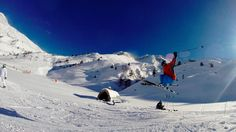 Nuestro amigo Javier Alonso volando alto en #Cerler Frozen Water, Alonso, Mount Everest, Snow, Mountains, Nature, Travel, Surfing, Naturaleza