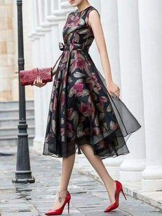 Elegant Paneled Sleeveless Floral Evening Midi Dress with Belt Elegant Summer Dresses, Pretty Dresses, Beautiful Dresses, Evening Dresses, Casual Dresses, Short Dresses, Dress Outfits, Fashion Dresses, Dress Up