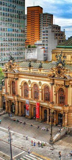 Teatro Municipal de São Paulo - Brasil http://www.southamericaperutours.com/southamerica/12-days-rio-de-janeiro-wonder-iguazu-machupicchu.html