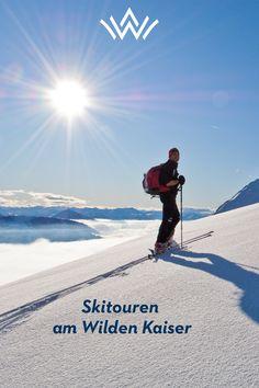 Auf- und abseits gesicherter Pisten. Beim Skitourengehen erlebt man die Berge Tirols von einer außergewöhnlichen Seite. Eine unberührte, tief verschneite Winterlandschaft am Wilden Kaiser oder den Kitzbüheler Alpen beeindruckt mit absoluter Ruhe und eindrucksvollen Ausblicken. Das Gefühl von Freiheit und Leichtigkeit bei einer Pulverschneeabfahrt oder im Firn lässt sich nicht beschreiben – sondern nur erleben! Wilder Kaiser, Mountains, Nature, Travel, Winter Scenery, Ski, Family Vacations, Recovery, Naturaleza