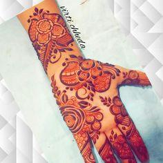 Kashee's Mehndi Designs, Rajasthani Mehndi Designs, Mehndi Designs For Girls, Mehndi Design Photos, Wedding Mehndi Designs, Mehndi Designs For Fingers, Mhndi Design, Engagement Mehndi Designs, Beginner Henna Designs