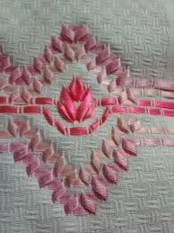 Resultado de imagem para cestas bordadas com fita