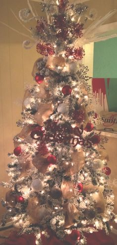 Our burlap Christmas tree!