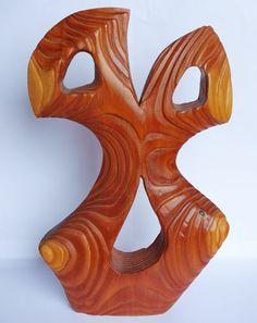 torso, scultura in legno di larice con venatura intagliata, finitura con olio danese. Cm 39x25x5  http://www.operaitalianahandmadeinitaly.com/