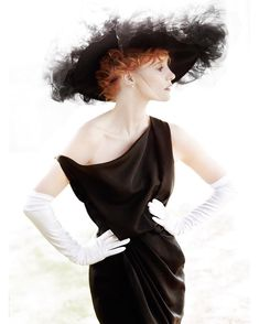 """rey-ray: """" Jessica Chastain - Vanity Fair by Mario Testino, September 2012 """" Mario Testino, Jessica Chastain, Fashion Themes, Fashion Colours, Fashion Shoot, Happy Birthday To You, Gorgeous Redhead, Beautiful, Glamour"""