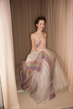 Backstage at Valentino Haute Couture Spring/Summer Paris Fashion Week. Style Haute Couture, Couture Fashion, Runway Fashion, Paris Fashion, Love Fashion, High Fashion, Fashion Show, Fashion Design, Estilo Preppy