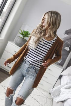May 2020 - Biscuit Signature Cardigan - Adults – Beau Hudson Style Casual, Casual Looks, Style Me, Comfy Casual, Fall Winter Outfits, Autumn Winter Fashion, Spring Outfits, Cold Spring Outfit, Winter Vest