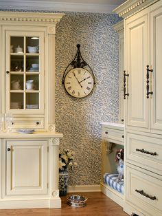"little-petunia-in-an-onion-patch: "" thestylishacademic: "" "" Traditional Kitchen Photos Design, Pictures, Remodel, Decor and Ideas - page 624 on We Heart It -. Dog Nook, English Country Kitchens, French Country, French Cottage, Interior Exterior, Interior Design, Cocinas Kitchen, Kitchen Photos, Kitchen Ideas"