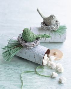 Yule Log Favor Boxes: clip art wrapped around paper-towel rolls via marthastewart.com by dona
