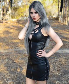 Model: Dayana Melgares Dress: Killstar Welcome to Gothic and Amazing |www.gothicandamazing.com