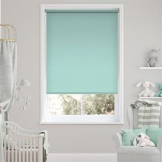 Fantastic Totally Free Roller Blinds blue Tips Buying roller blinds ? Then you could be searching for expert guidance. after all, when decorating a room, your brain mi Blue Roller Blinds, Modern Roller Blinds, Modern Blinds, Roller Shades, Bamboo Shades, Blue Tips, Black And White Baby, Beautiful Curtains, Santiago