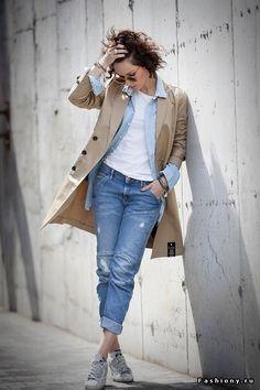 Джинсовая рубашка в весеннем модном образе
