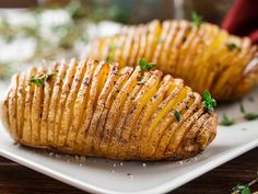 Top 10 Ree Drummond Recipes – Page 5 – Top Recipes Batatas Hasselback, Hasselback Potatoes, Sliced Potatoes, Baked Potatoes, Sweet Potato Dishes, Sweet Potato Recipes, Baked Potato Slices, Pioneer Woman Recipes, Yummy Food