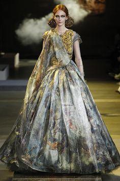 Divine Divas: Guo Pei's S/S 2017 Couture Collection