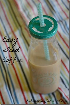 I'm addicted to iced coffee! Thank goodness I can make it at home with this simple, cheap recipe! Real ingredients and just as tasty as from a coffee shop! Tasty Vegetarian Recipes, Healthy Breakfast Recipes, Easy Healthy Recipes, Cheap Recipes, Dinner Healthy, Eating Healthy, Clean Eating, Iced Coffee Drinks, Coffee Tasting