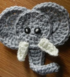 Hooking Housewives: Elephant Applique - Free Pattern!!! - cute on a blanket or sweater =)