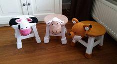 Hallo allemaal, Een tijdje terug kwam ik op fb leuke kinder krukjes tegen.  Ik ben gelijk voor de kindjes van mijn dochter aan de slag gegaan. Ze hebben een koe, schaap en een vossekrukje uitgekozen.