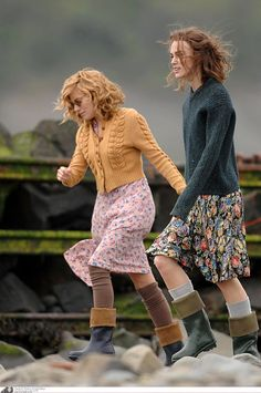 The Edge of Love, floral dresses, cardigan, boots, kiera knightly, 1940s, vintage, country, style, fashion, autumn, spring, summer, mustard, teal, wellies