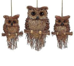 Rustic hooters promise good cheer with a natural touch! Unique Pine Cone Owls are cool wall decor with organic flair. Alone or paired with a buddy, they add a bit of whimsy to any space. Use of fine d