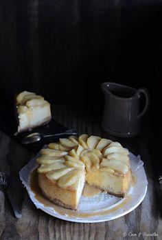 Cheesecake de maçã e canela com molho de caramelo
