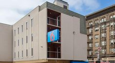 Motel 6 San Francisco Downtown San Francisco Placed in San Francisco's city centre Tenderloin district, only a few minutes from popular attractions such as Union Square, this motel offers comfortable accommodation in a central and convenient location.