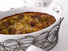Ruusukaali-saksanpähkinävuoka   Valio Macaroni And Cheese, Chili, Side Dishes, Menu, Soup, Ethnic Recipes, Christmas, Menu Board Design, Xmas