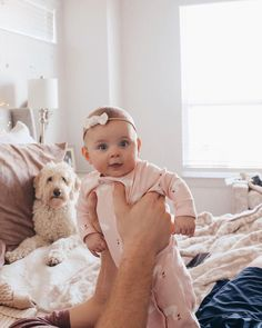 little girl fashion Mom Dad Baby, Baby Kids, Baby Boy, Cute Baby Pictures, Baby Photos, Toddler Outfits, Kids Outfits, Cute Kids, Cute Babies