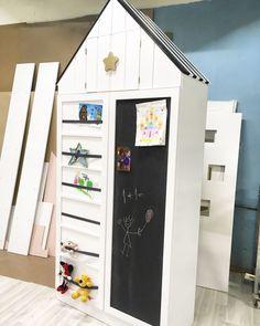 Купить Шкаф в детскую комнату с магнитно-мелковой доской - белый, кукольный дом, кукольный домик