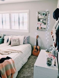 ✔ 57 decoration ideas to personalize your dorm room with 57 Related Dream Rooms, Dream Bedroom, White Bedroom, Warm Bedroom, Bedroom Small, Modern Bedroom, Diy Zimmer, Cute Room Decor, Aesthetic Room Decor