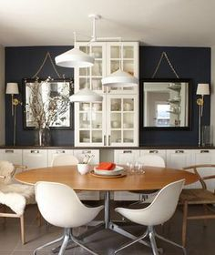 32 Elegant Ideas for Dining Rooms | Create an inviting space that'll work for a party of 20 or dinner à deux.