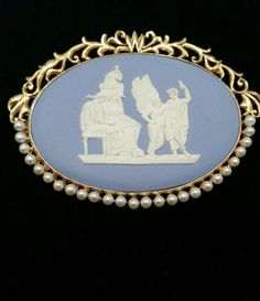 Wedgwood Brooch Signed 1951 14k gold and Akoya Pearl